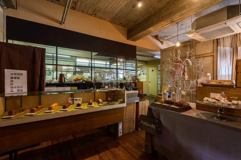 ふくれ菓子とフクロウのフロランタンのお店フクレ
