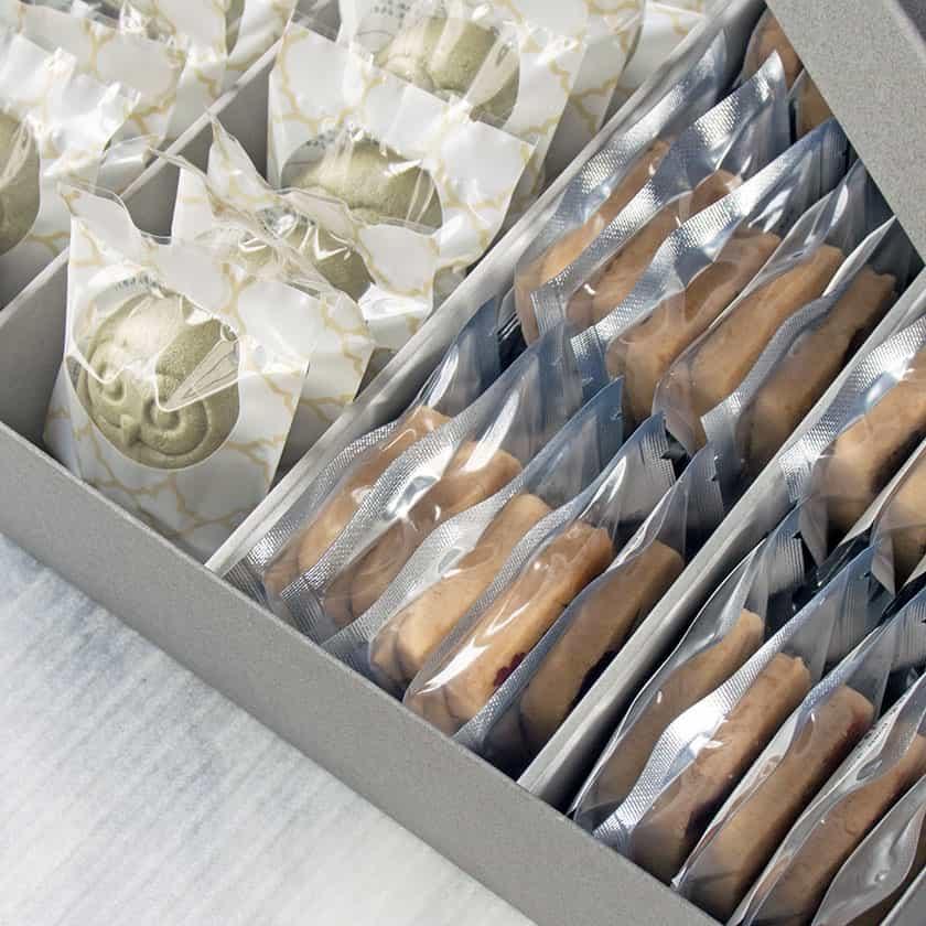 個包装で配りやすい縁起がいいお菓子の詰め合わせ