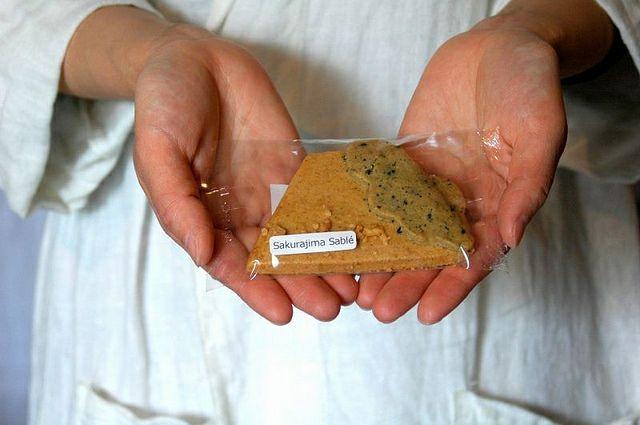 鹿児島のシンボル桜島のクッキー