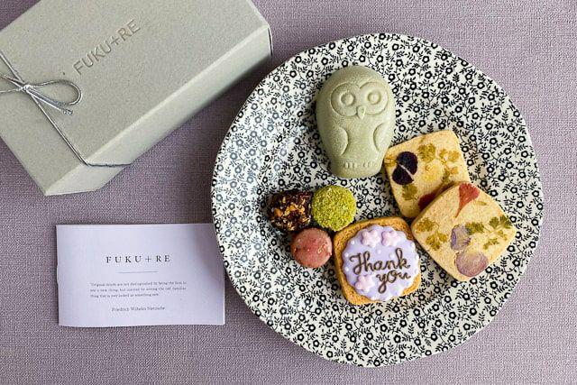 個包装になっていて配り菓子としてもかわいいと人気です。