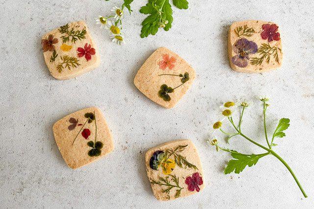 プチギフトに人気のかわいいお花のクッキー