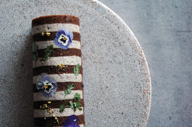 すもも,チョコレート,おしゃれ,スイーツ,ふくれ菓子,エディブルフラワー,お花のケーキ